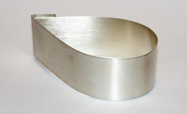 handgefertigter moderner Armreif Silber 925